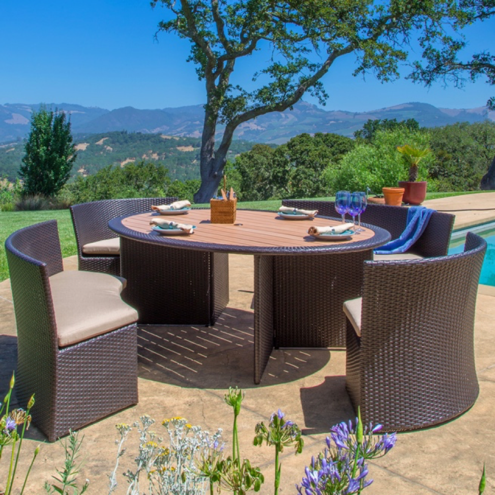 Outdoor Dining Space - Round Wicker Table