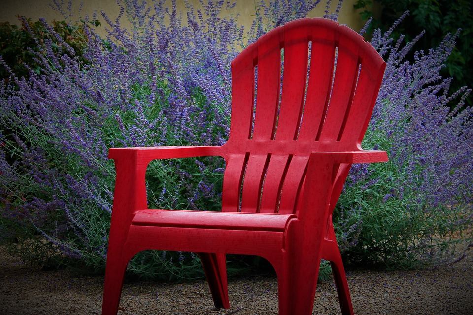 how to clean outdoor furniture - plastic garden chair