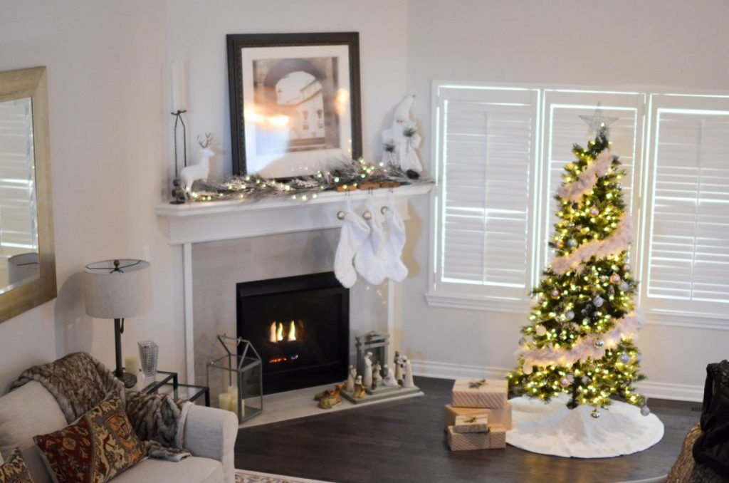 holiday home decor ideas - living room decor