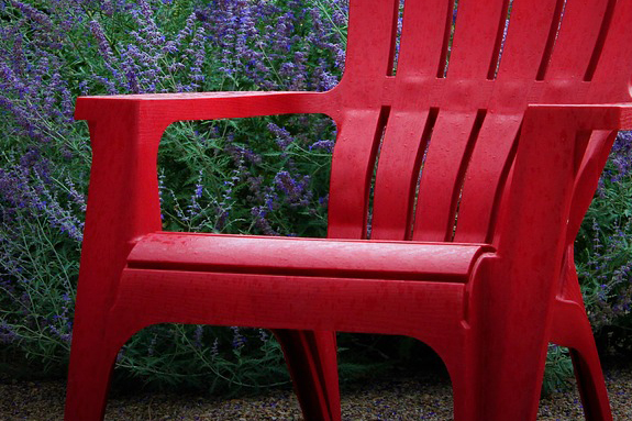 outdoor patio furniture buying guide - plastic