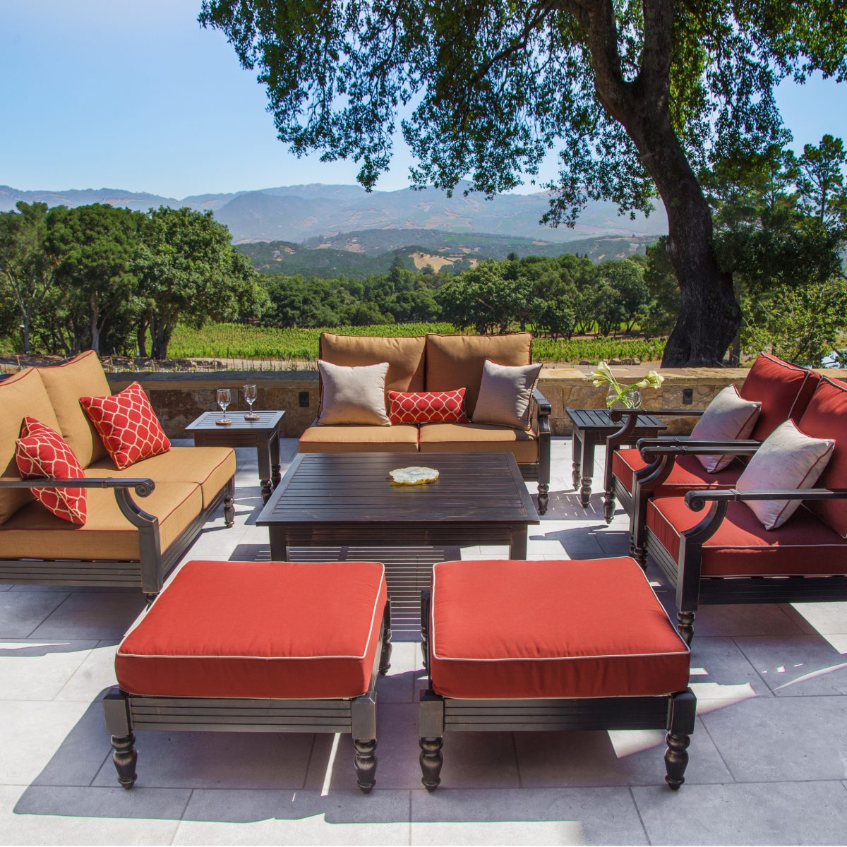 how to arrange patio furniture - balance
