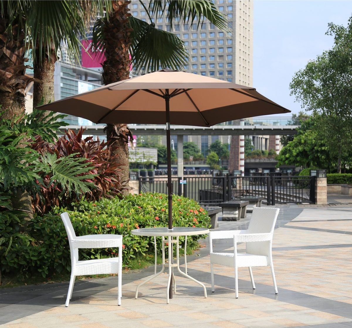 how to choose a patio umbrella - table umbrella