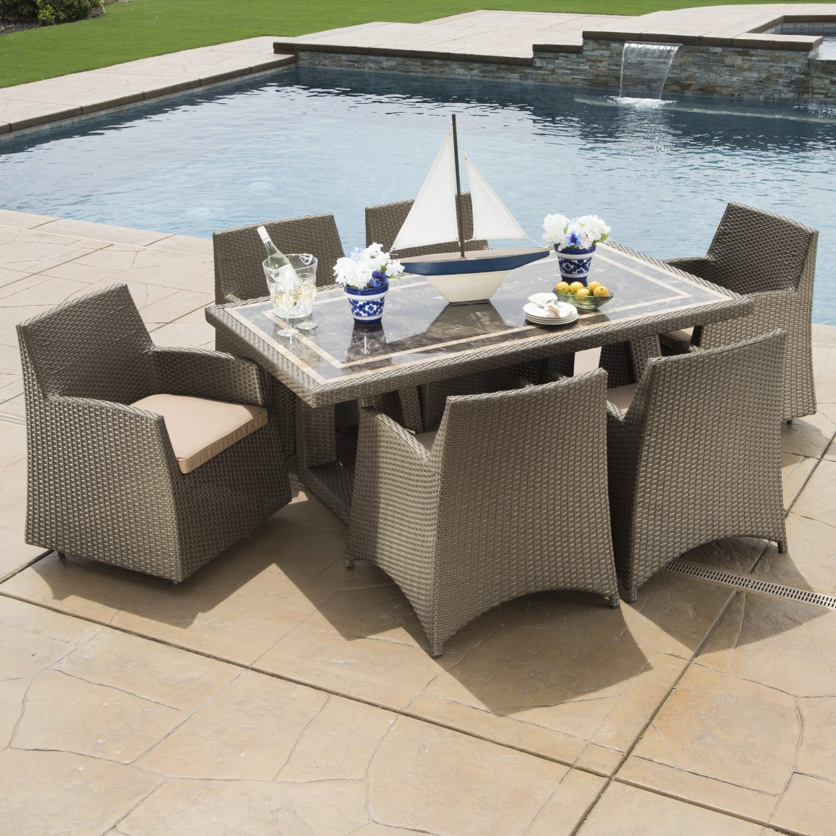 poolside furniture ideas - dining
