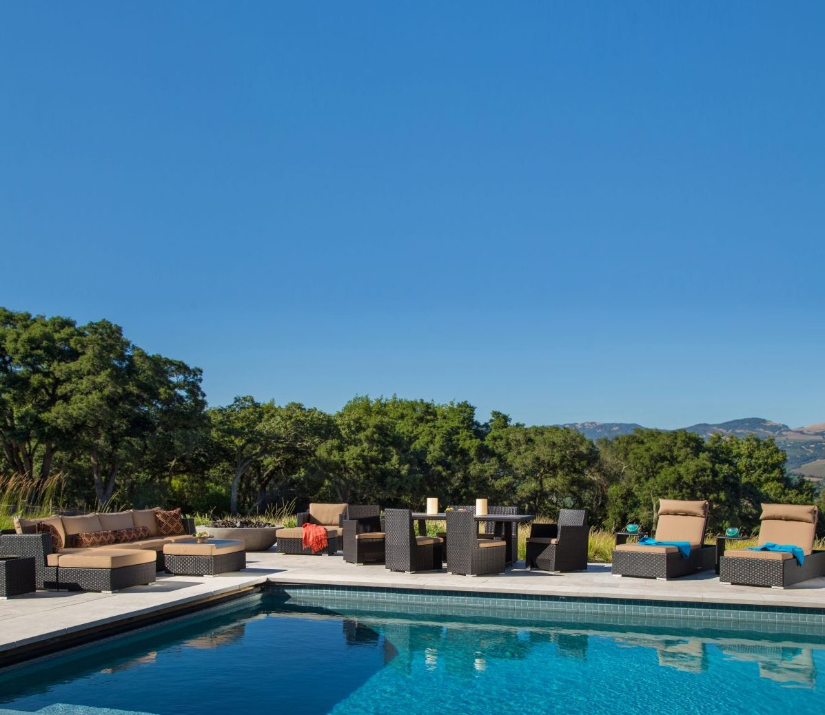 Poolside Furniture Ideas For Your