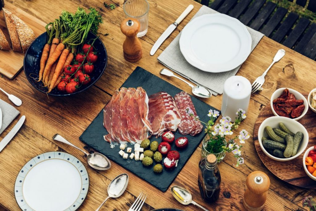 fall outdoor party ideas - fall food display