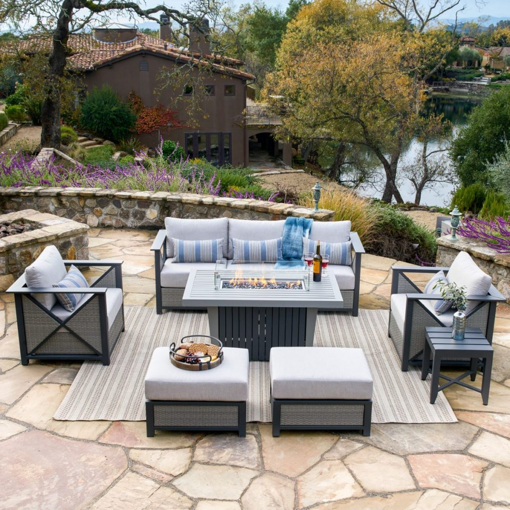 fall outdoor party ideas - outdoor patio furniture