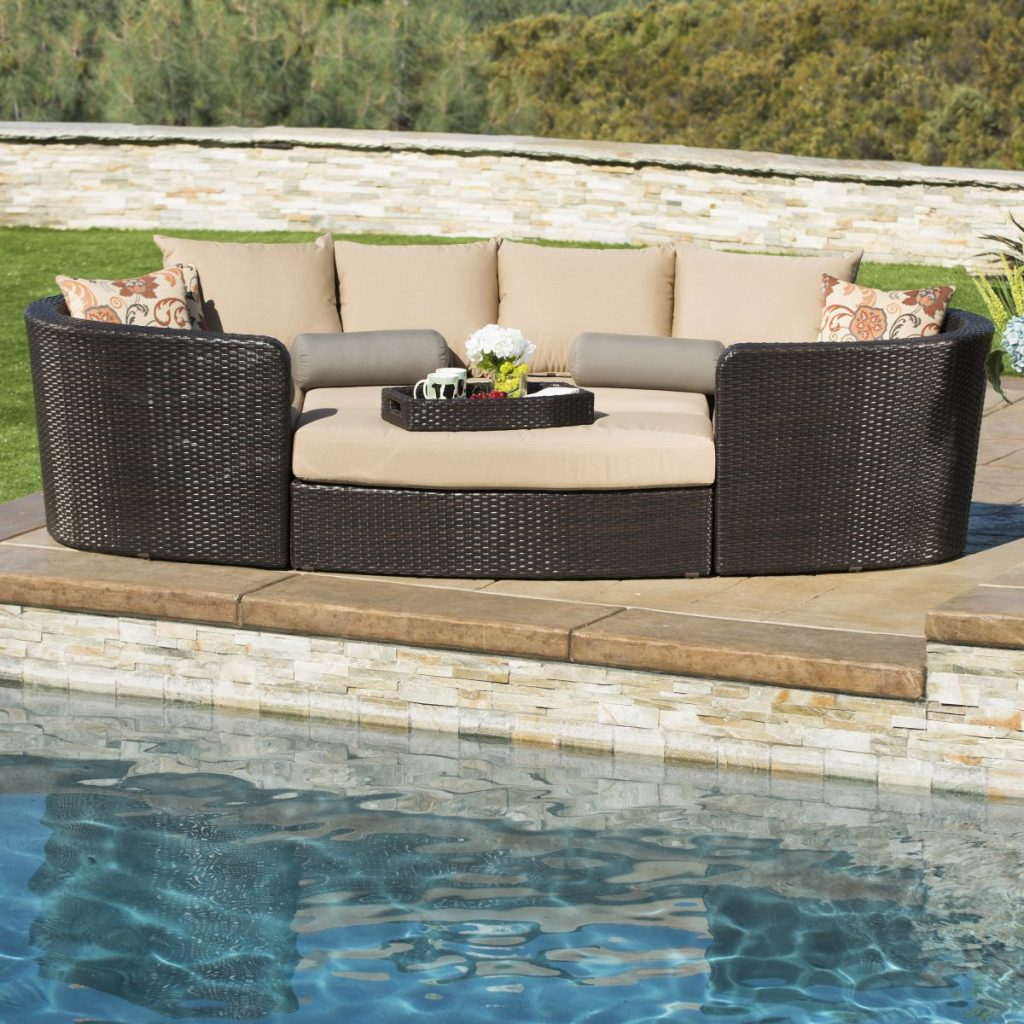 patio trends - modular seating set and outdoor day bed